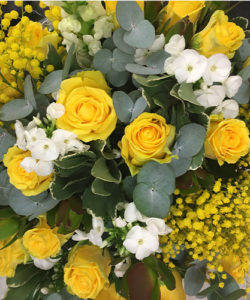 Fleurs-amanda-weybridge-Surrey-bouquets-yellow-12