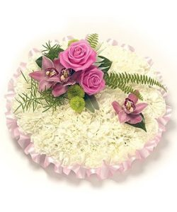 Fleurs-amanda-Surrey-funeral-flowers-Pink-White-Posy