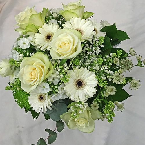 Fleurs-amanda-weybridge-Surrey-bouquets-Rose-lily-Classics