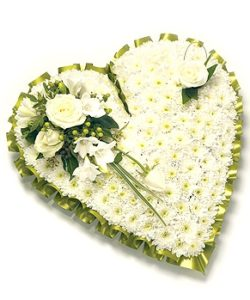 Fleurs Amanda-Weybridge-Surrey-Funeral-Flowers-Pillow-Cushion-Heart-White