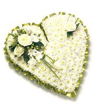 Fleurs Amanda-Weybridge-Surrey-Funeral-Flowers-Pillow-Cushion-Heart-White