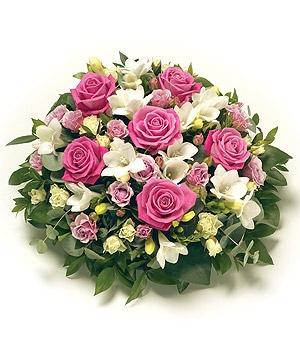 Fleurs Amanda-Weybridge-Surrey-Funeral-Flowers-Posies-wreath