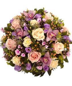 Fleurs Amanda-Weybridge-Surrey-Funeral-Flowers-Posies-wreath-Roses