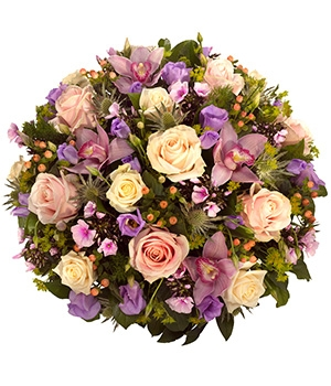 Fleurs Amanda-Weybridge-Surrey-Funeral-Flowers-Posies-wreath-Roses