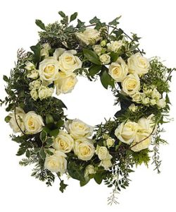 Fleurs Amanda-Weybridge-Surrey-Funeral-Flowers-Posies-wreath-white-roses