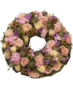 fleurs-amanda-designer-florist-weybridge-bespoke-flowers-and-gifts-same-day-delivery-sympathy-posies-wreaths-8