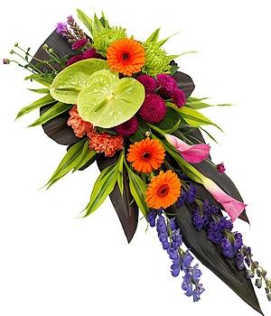 Fleurs Amanda-Weybridge-Surrey-Funeral-Flowers-sprays-sheafs-
