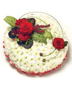 Fleurs-amanda-Surrey-funeral-flowers-Posy-Red-White