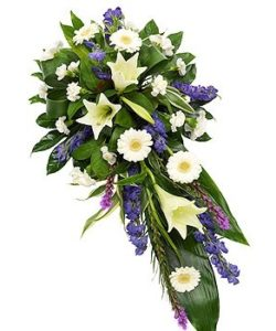 Fleurs-amanda-Surrey-funeral-flowers-Purple-White-spray