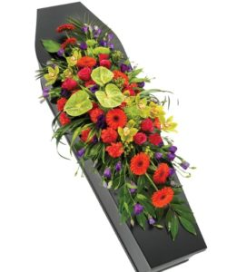 Fleurs-amanda-Weybridge-funeral-flowers-red-casket-spray