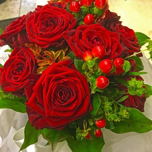 Fleurs-amanda-Surrey-Valentines Day Red Roses.